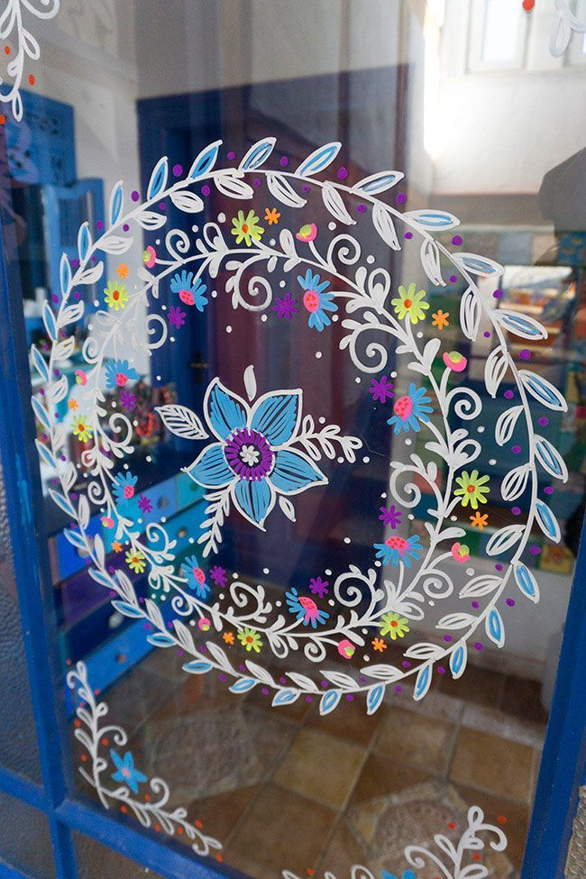 Photo of Flower wreath on the front door. The wreath was made with erasable chalk markers … #flowers …