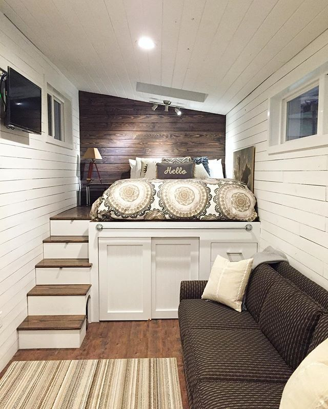 """Second Home Decorating Ideas: My 2nd Favorite Tiny; This Is A """"half-loft"""" With A Lot Of"""