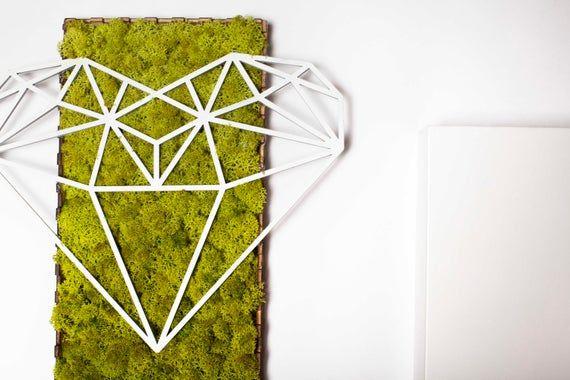 Diamond Heart Moss, moss design, living plant, diamond geometry,interior design,home deco,office deco,Christmas gift,holiday gift #alive #love #plants #DiamondShape #HangingCanvas #HousewarmingGift #NatureInside #RectangularForm #InteriorDesign #heart