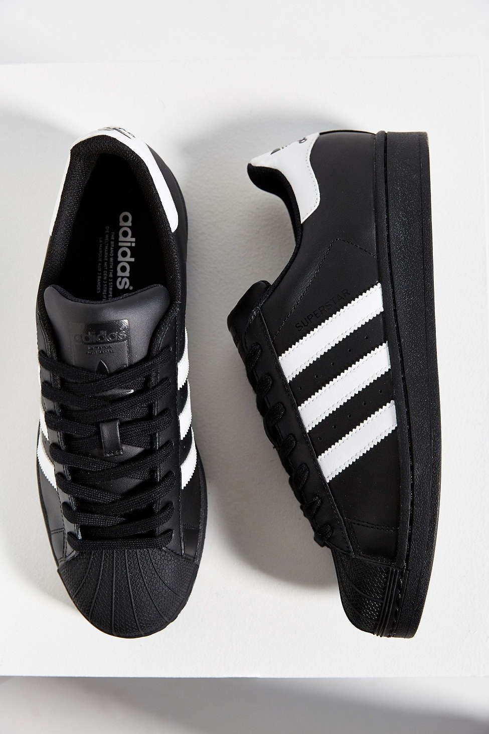 adidas Black Superstar Sneaker | Zapatillas hombre moda ...