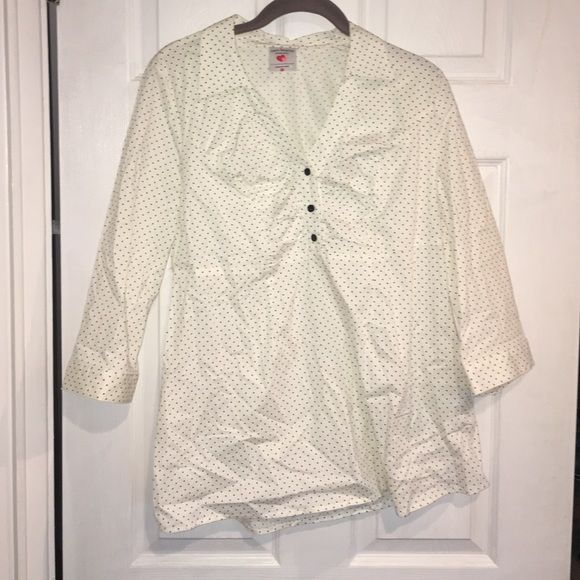 Maternity blouse! Two❤️s brand! Like new! Maternity blouse! Two❤️s brand! Like new! Two hearts maternity Tops