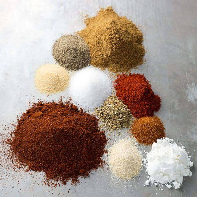 Easy Taco Seasoning uses spices you already have. Tastes like the packet and no preservatives! simplyhappyfoodie.com #diytacoseasoning