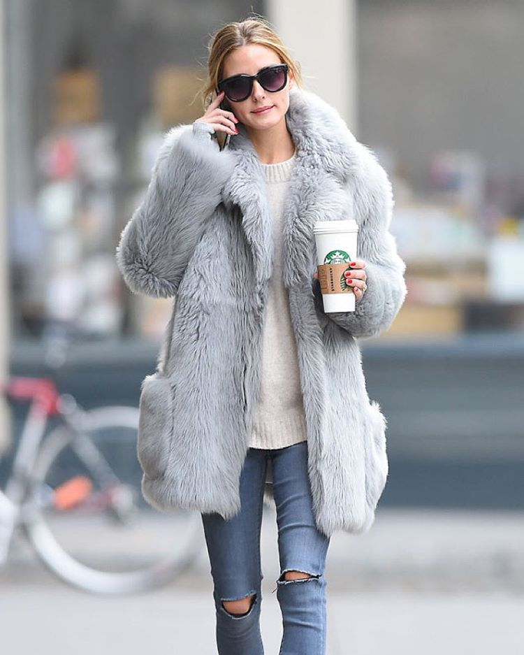 """When it comes to coffee, go venti or go home. Right, Olivia Palermo? ☕️(:Robert O'neil/Splash News)"""