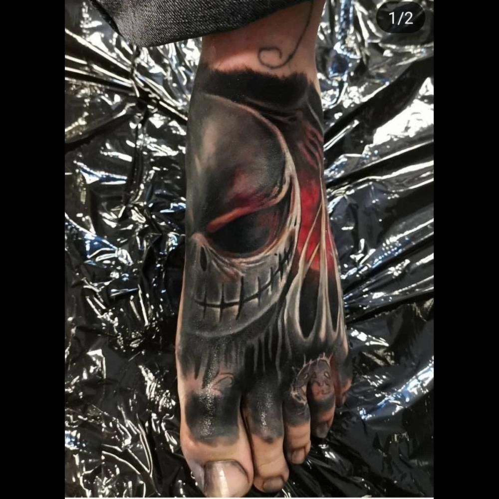 Realism or photorealism is a technique that results in artwork that looks like a photograph or a real life 3D object. #RichyPrice #TattooAwards #TattooIdeas #LegTattoos #RealismTattoos #ColorTattoos
