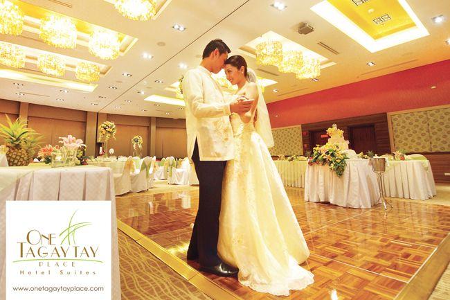 Wedding Reception Aurora Grand Ballroom At One Tagaytay Place Hotel Suites Affordable Wedding Packages Philippine Wedding Wedding
