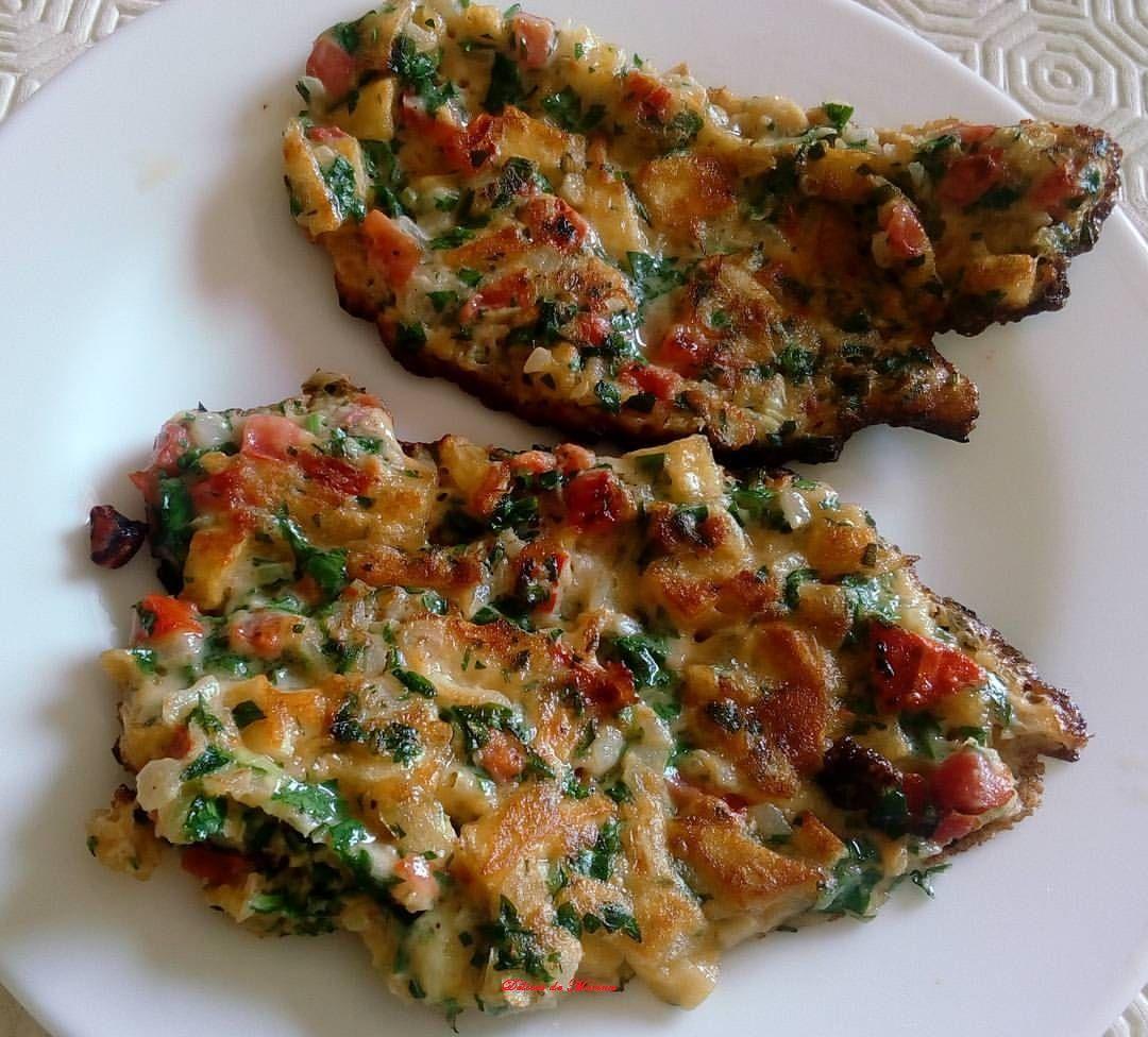 La tortilla espagnole est une omelette épaisse aux pommes de terre un plat délicieux typique et populaire de ce pays pour avoir la recette cliquez ce lien de ma page au Facebook