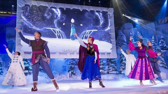 Disneyland Paris Christmas A Frozen Sing-along