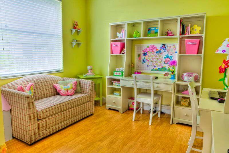 designer childrens bedrooms with learning desk