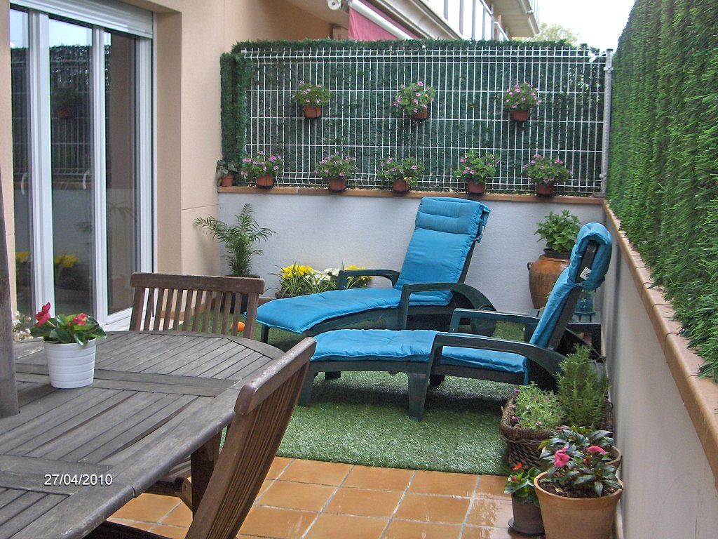 Patios peque os ideas buscar con google ideas ksa for Patios decorados