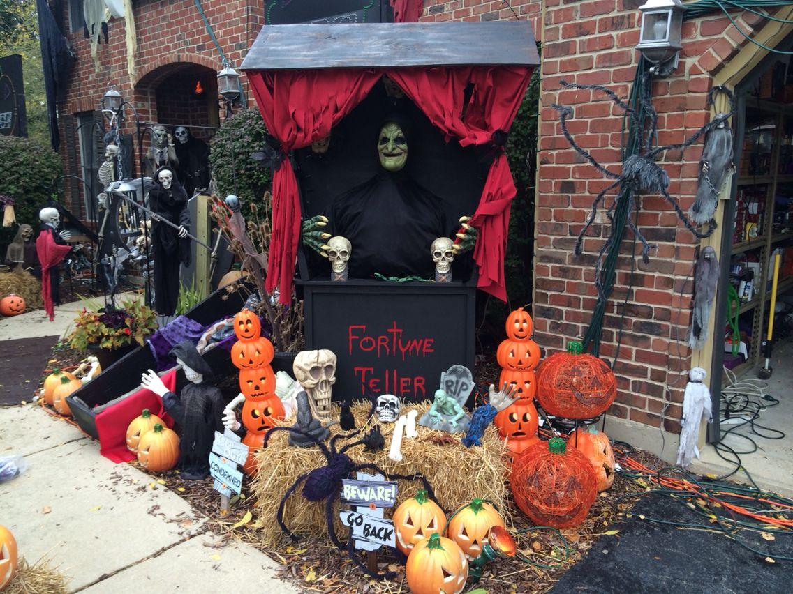 Halloween yard decor Halloween yard decorations