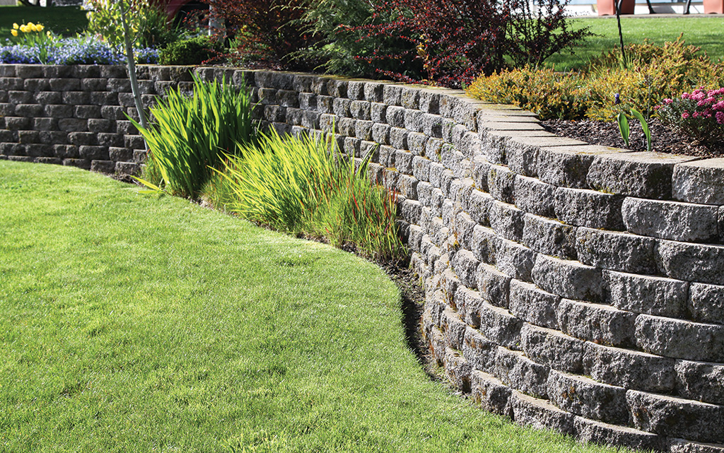 Why You Should Get A New Look For Your Yard In 2020 Backyard Retaining Walls Terrace Garden Garden Photos