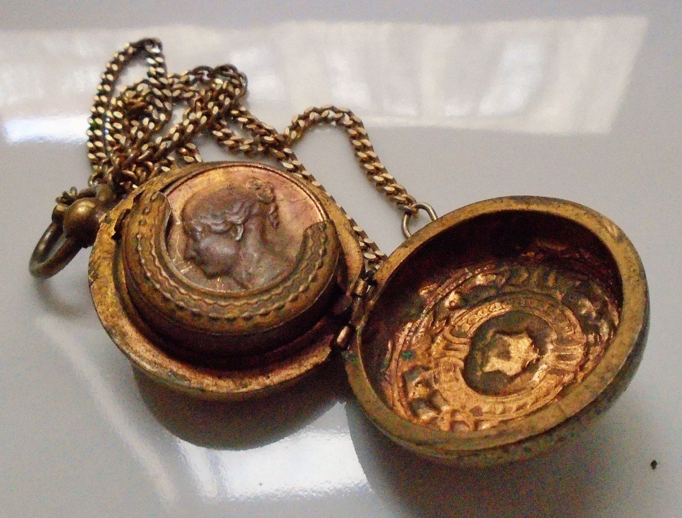 rose by coin gold small lockets mundi lucet rosegold locket