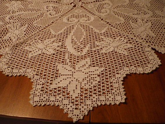Ravelry Filet Crochet Daffodil Teacloth Free Pattern By Coats