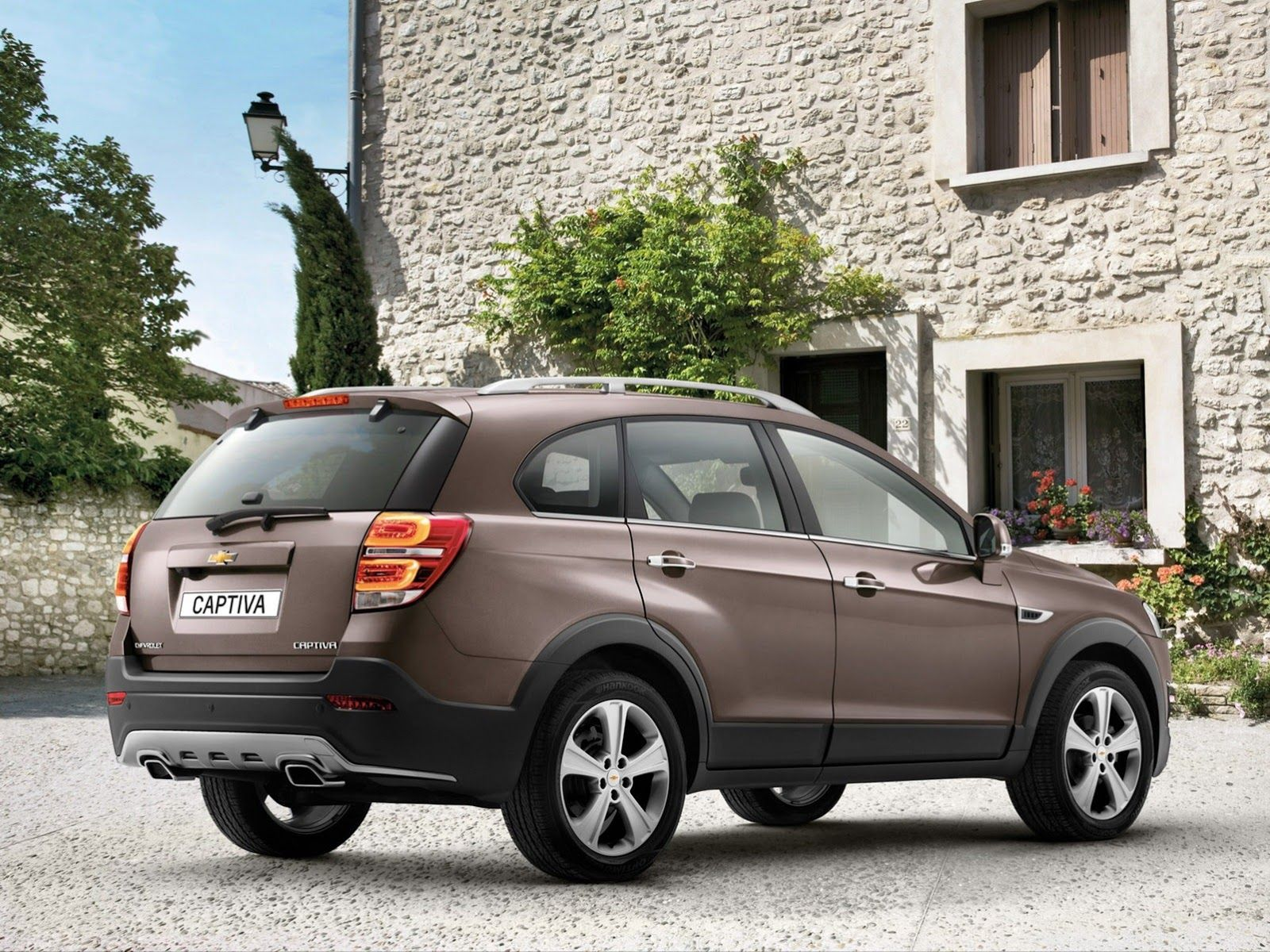 Chevrolet Captiva 2013 Car 3
