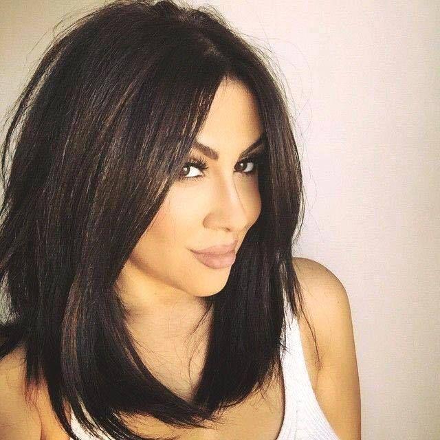 Épinglé par Sonitta ) sur Hair Style Coiffure mi long