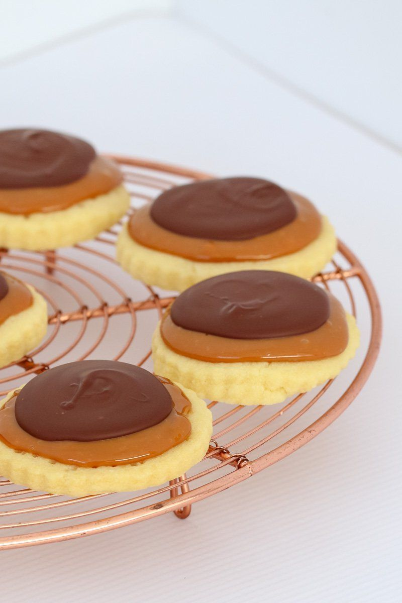Twix Cookies #twixcookies Our Twix Cookies are completely addictive! Made with a super easy shortbread base, caramel filling and dark chocolate topping… the perfect sweet treat! #twix #cookies #biscuits #chocolate #caramel #shortbread #baking #recipe #bestrecipe #thermomix #conventional #twixcookies Twix Cookies #twixcookies Our Twix Cookies are completely addictive! Made with a super easy shortbread base, caramel filling and dark chocolate topping… the perfect sweet treat! #twix #cookies #b #twixcookies