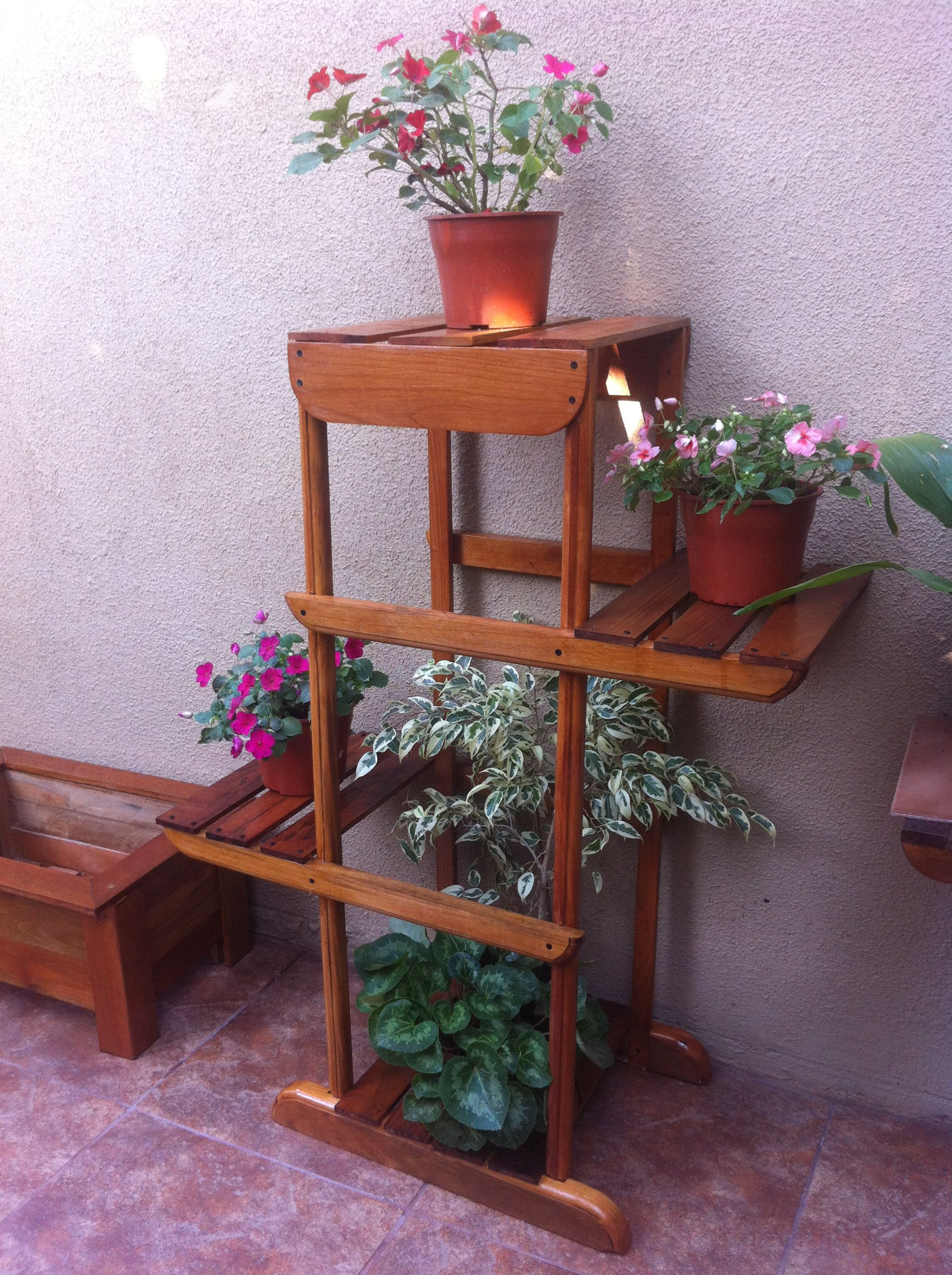 Porta maceteros con cuatro niveles hecho en madera artesanias pinterest hechos madera y - Maceteros de madera ...