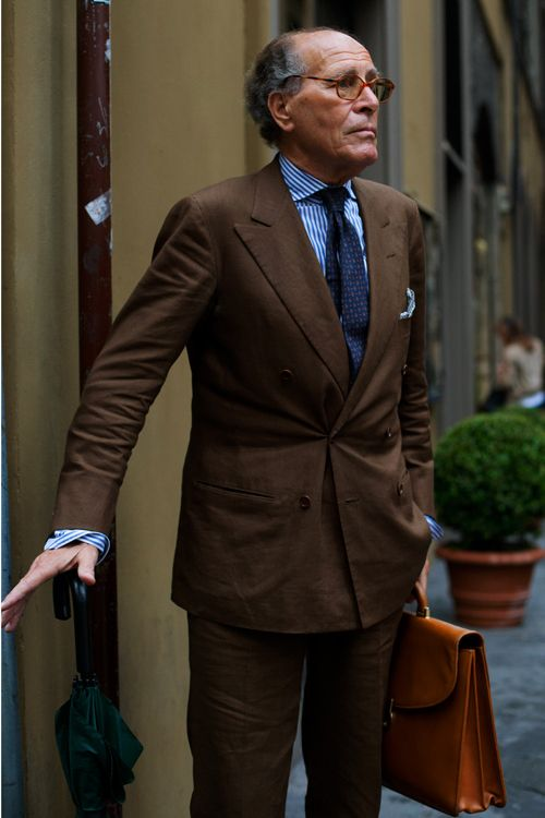 Great color combo, brown/white/blue. Double breasted suit, peaked ...