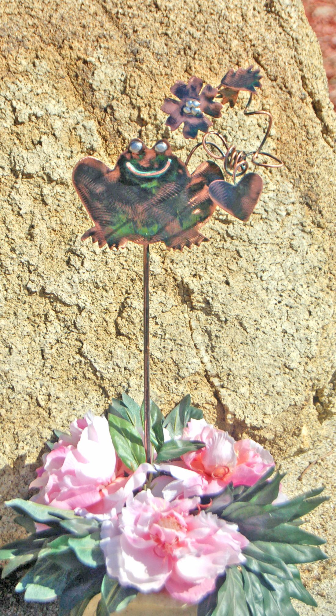 Frog Decor Garden Stake, Metal Garden Art, Yard Art, Copper Garden ...
