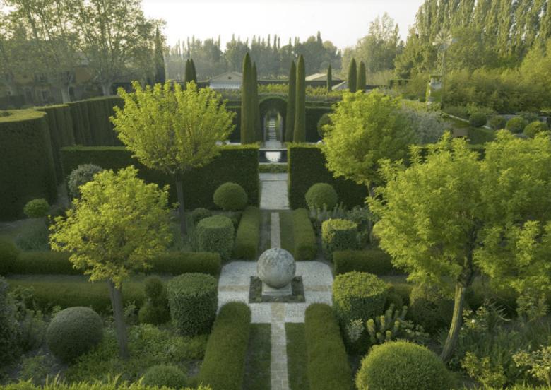 Les Jardins Beautiful Gardens Landscape Design Boxwood Garden