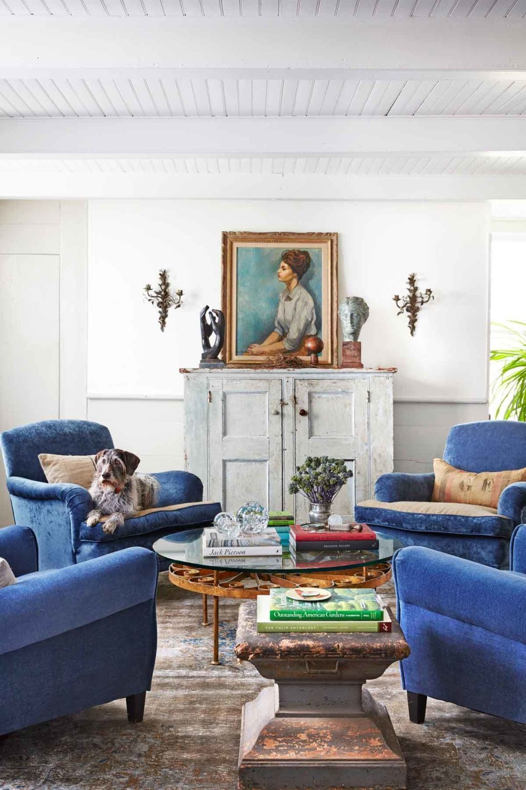 Ways to Decorate Your Living Room With White Spaces Living