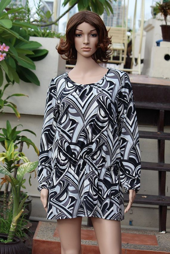 Black & White Round Neck Casual loose Gown Maxi Short Dress  $6.00 USD Only 1 available  https://www.etsy.com/listing/193339510/black-white-round-neck-casual-loose-gown?ref=listing-8  https://www.facebook.com/pages/Savvy-Ladies/796694807024977