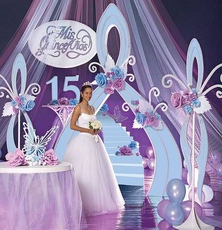 Algunas decoraciones al estilo disney chica de 15 for Ideas para decorar fiestas de 15