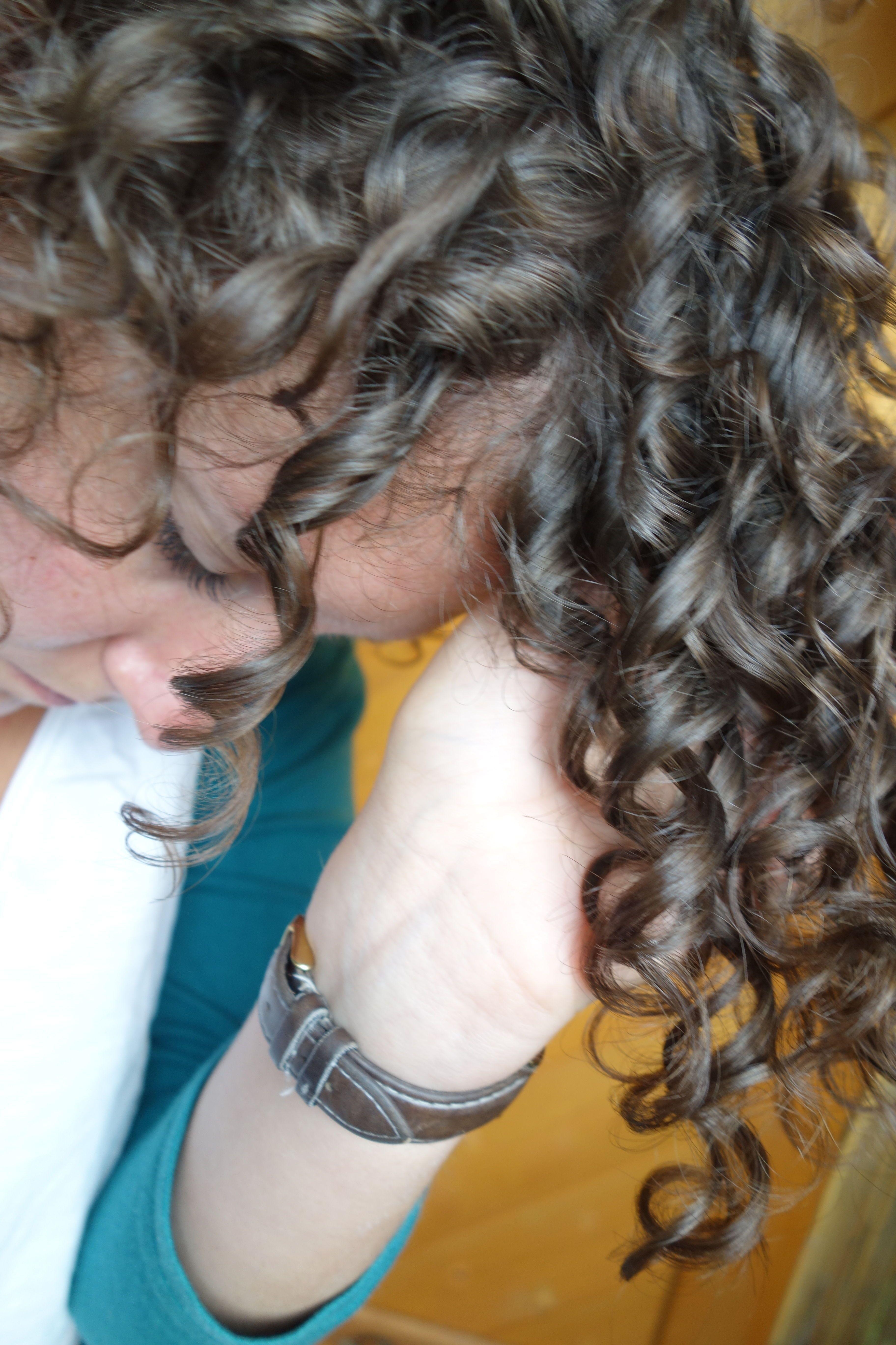 Leinsamengel - nat\u00fcrlich, g\u00fcnstig & einfach herzustellendes Lockengel. Meine absolute Geheimwaffe gegen Frizz ist Leinsamengel! In nur 10 Minuten hast du dein komplett nat\u00fcrliches Haargel selber hergestellt, #naturalhairstyles