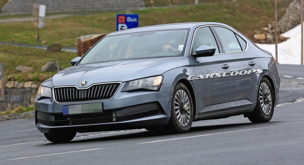 Facelifted 2019 Skoda Superb Caught Undisguised Will Get A Hybrid