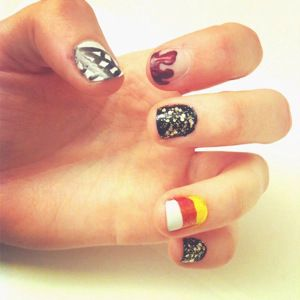 DIY Beauty: Scarily Easy Halloween Nail Art! These ideas are fun and simple to make yourself.