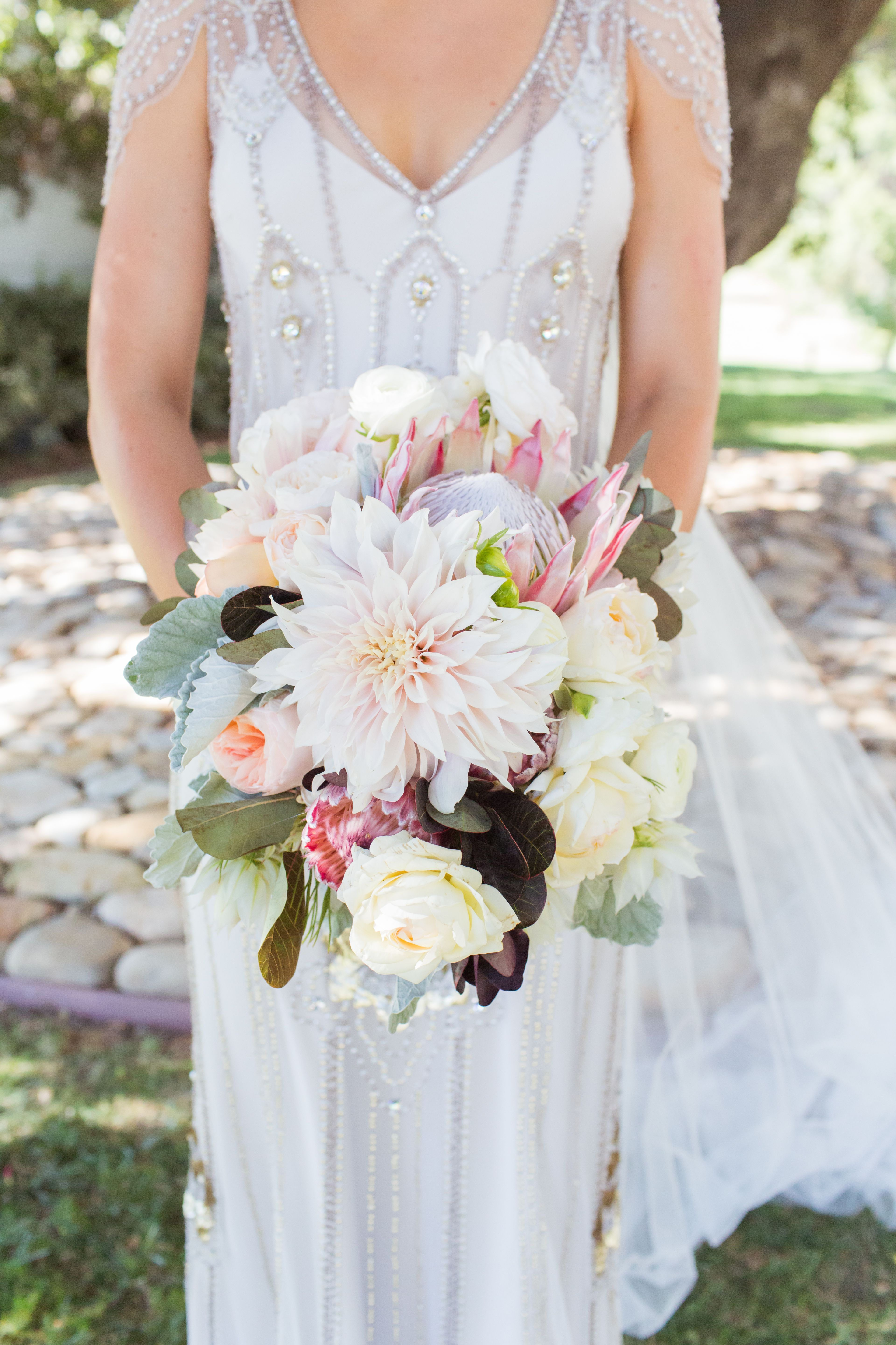 Insanely Stunning Spring Wedding Bouquets In 2020 Spring Wedding Bouquets Wedding Bouquets Spring Wedding Flowers