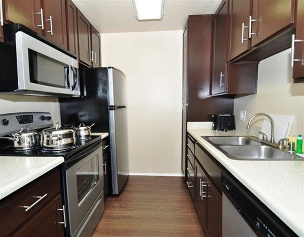 877 695 0514 1 2 Bedroom 1 1 Bath Avana La Jolla Apartments 7039 Charmant Dr San Diego Ca 92122 Apartment Apartments For Rent San Diego