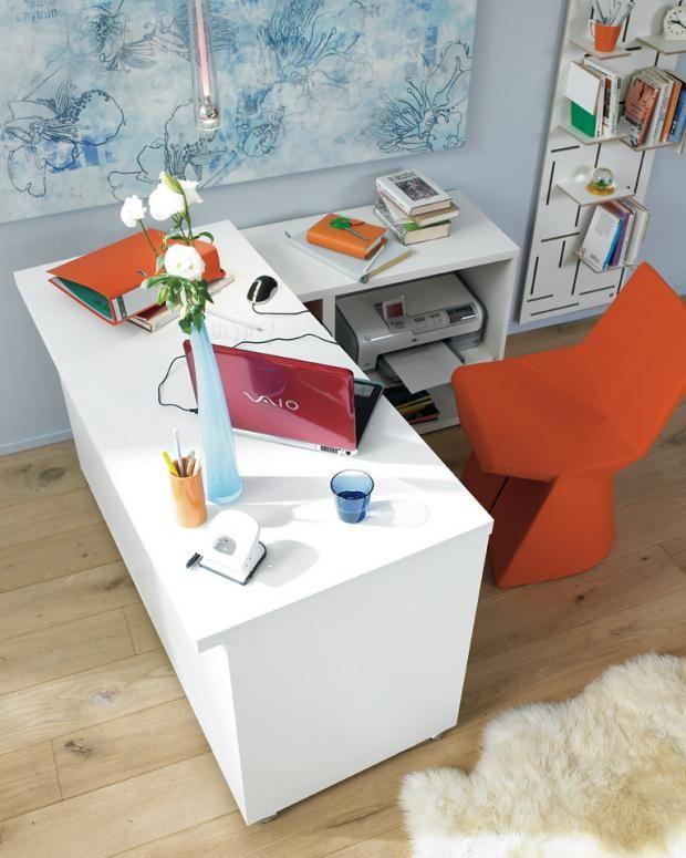 Arbeitsplatz mit Stauraum für Drucker Schreibtisch im