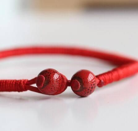 Handcrafted Red String Bracelets From The Buddhists Of Tibet With Meaning Get Ideas Patterns And Sets 2 For Guys S