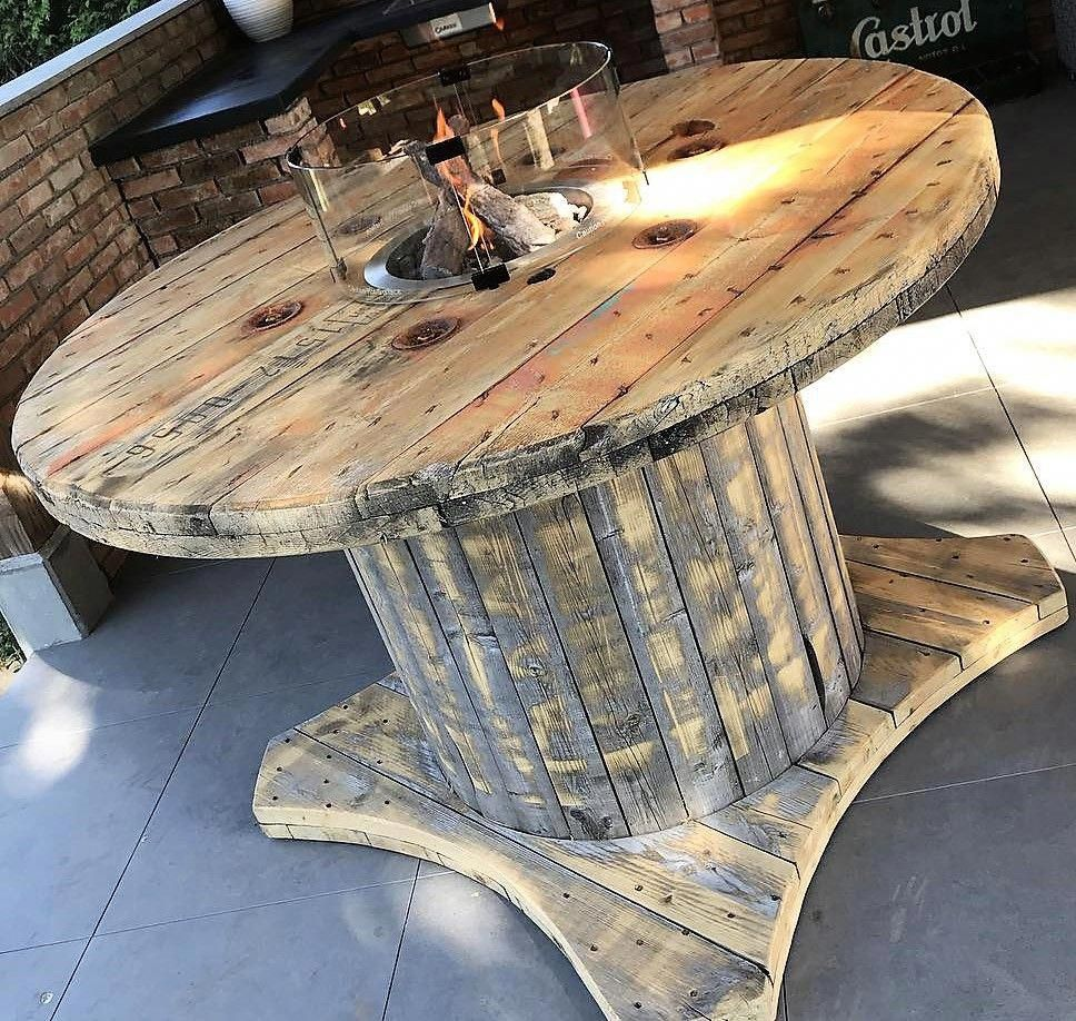 recycled pallet cable reel table idea #cablespooltables
