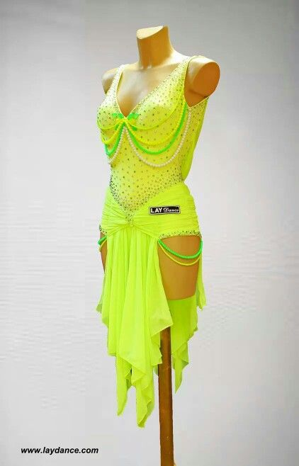 3e6909e7063 Pin από το χρήστη Evi Ant στον πίνακα φορεματα χορού | Ballroom dance  dresses, Dance costumes και Dance dresses