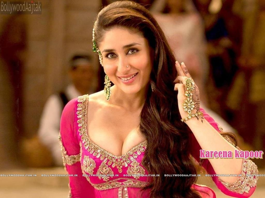 kareena kapoor hot see her fake (18+) photos here:http://bit.ly