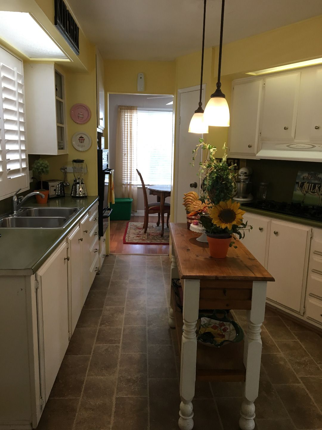 Kitchen 1972 Goldenwest Mobile / Manufactured Home in La