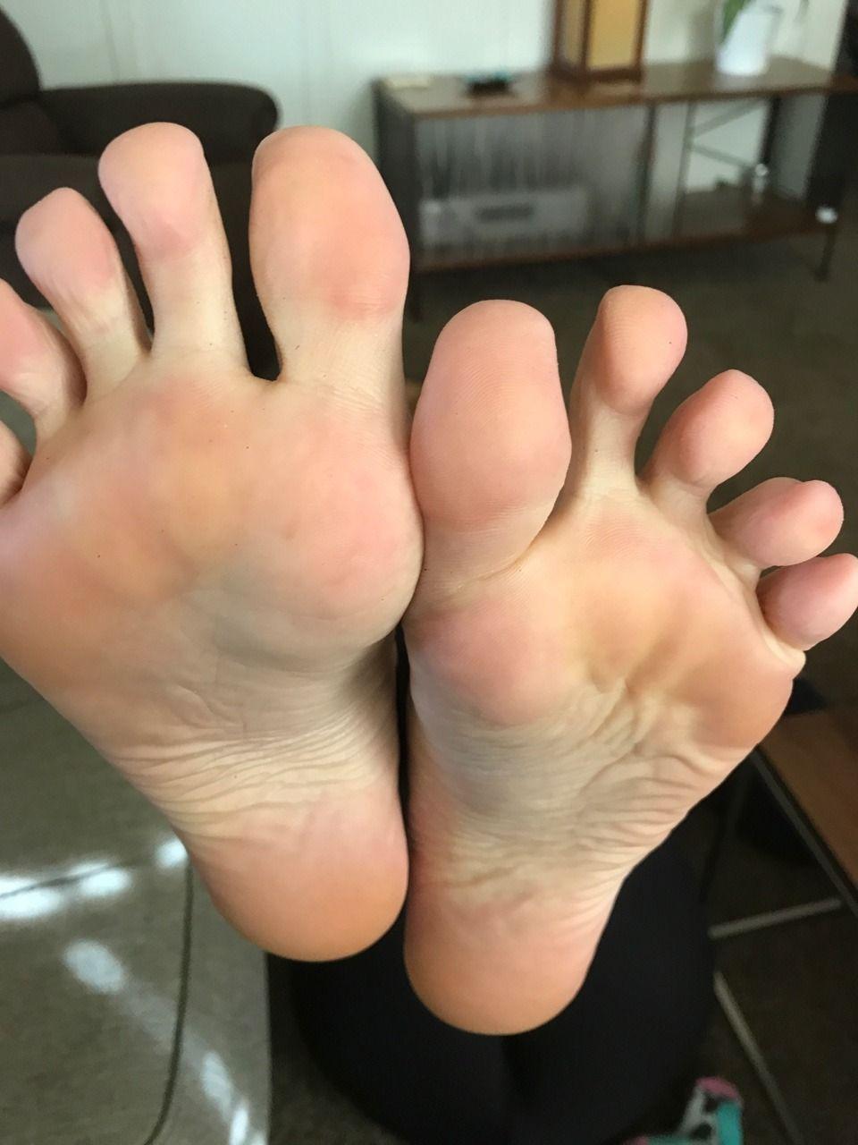 candid street feet  9c17643fa8
