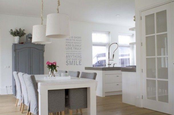 Mooie strakke eetkamer keuken door pebje kitchen