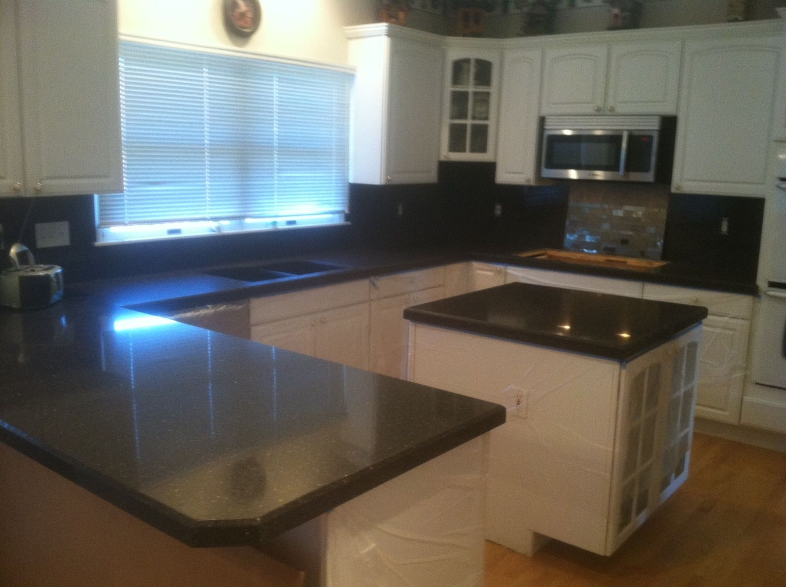 Kitchen Cabinets St Louis Amarone Granite Countertops And High Backsplash With A Hand Cut