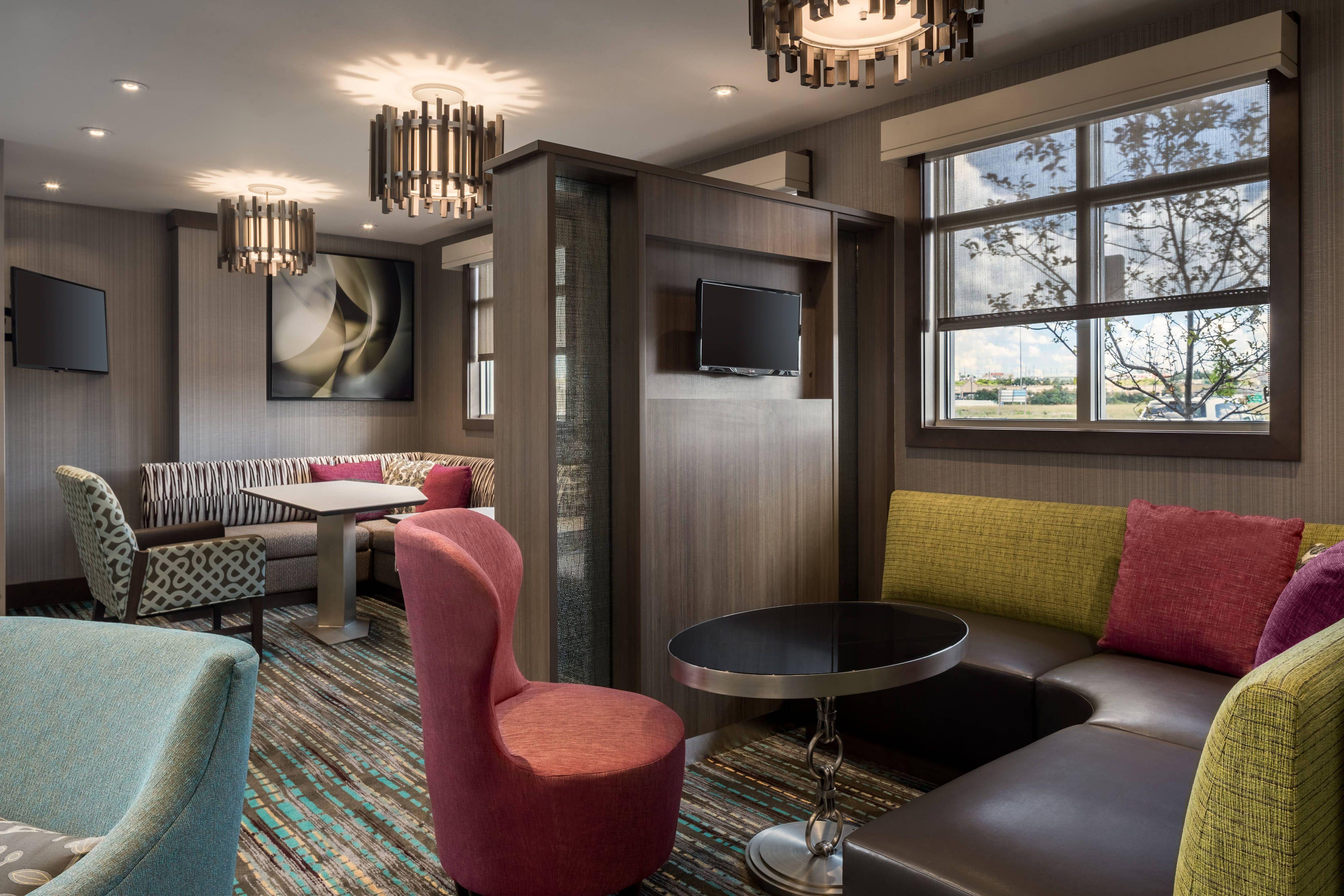 Residence Inn WheelingSt. Clairsville, OH Lobby Suite,