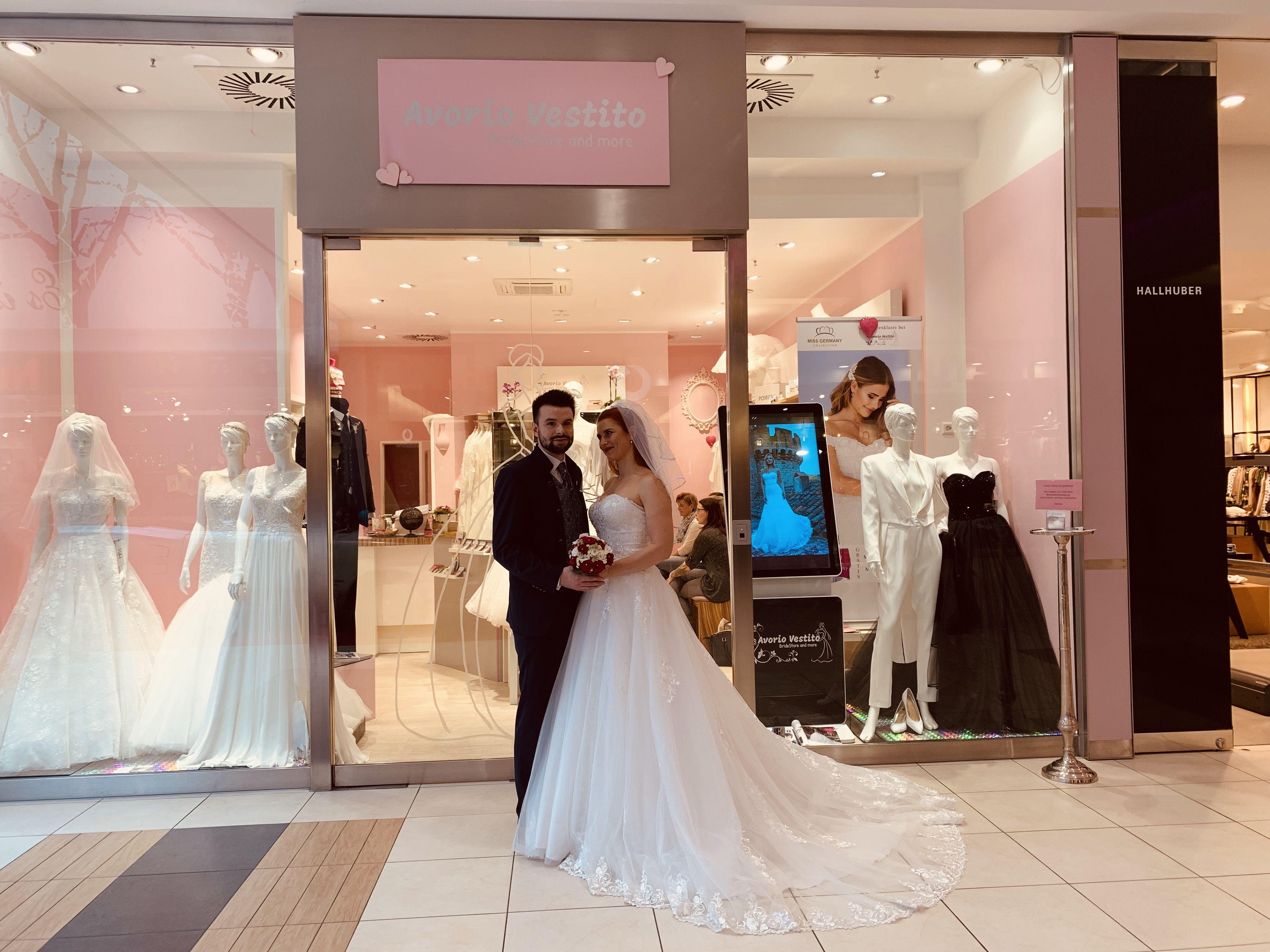 Brautmoden in Berlin • Avorio Vestito BrideStore and more