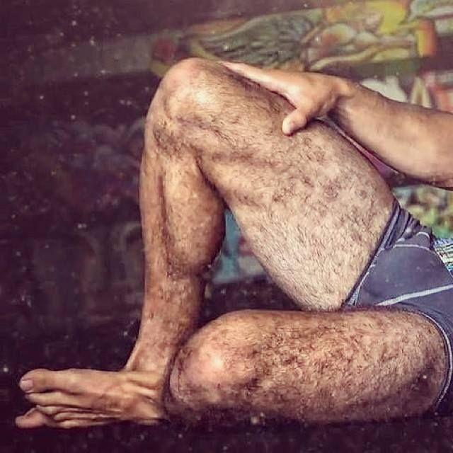 Fotos de piernas velludas de hombre 98