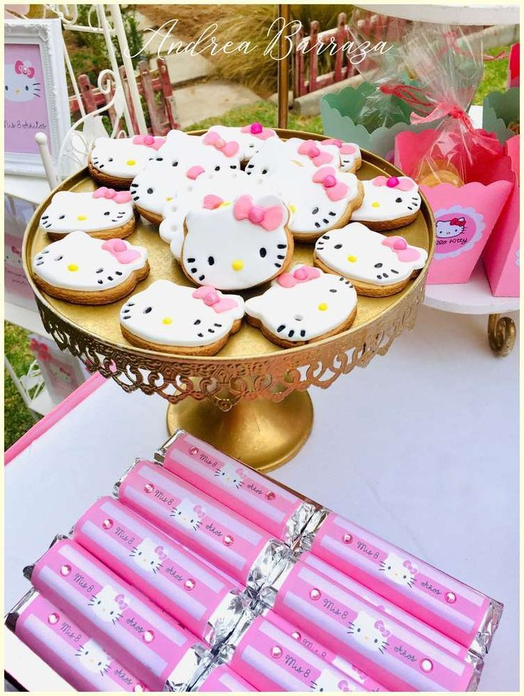 Dont miss the pretty Hello Kitty cookies at this stylish Hello Kitty garden par Dont miss the pretty Hello Kitty cookies at this stylish Hello Kitty garden par