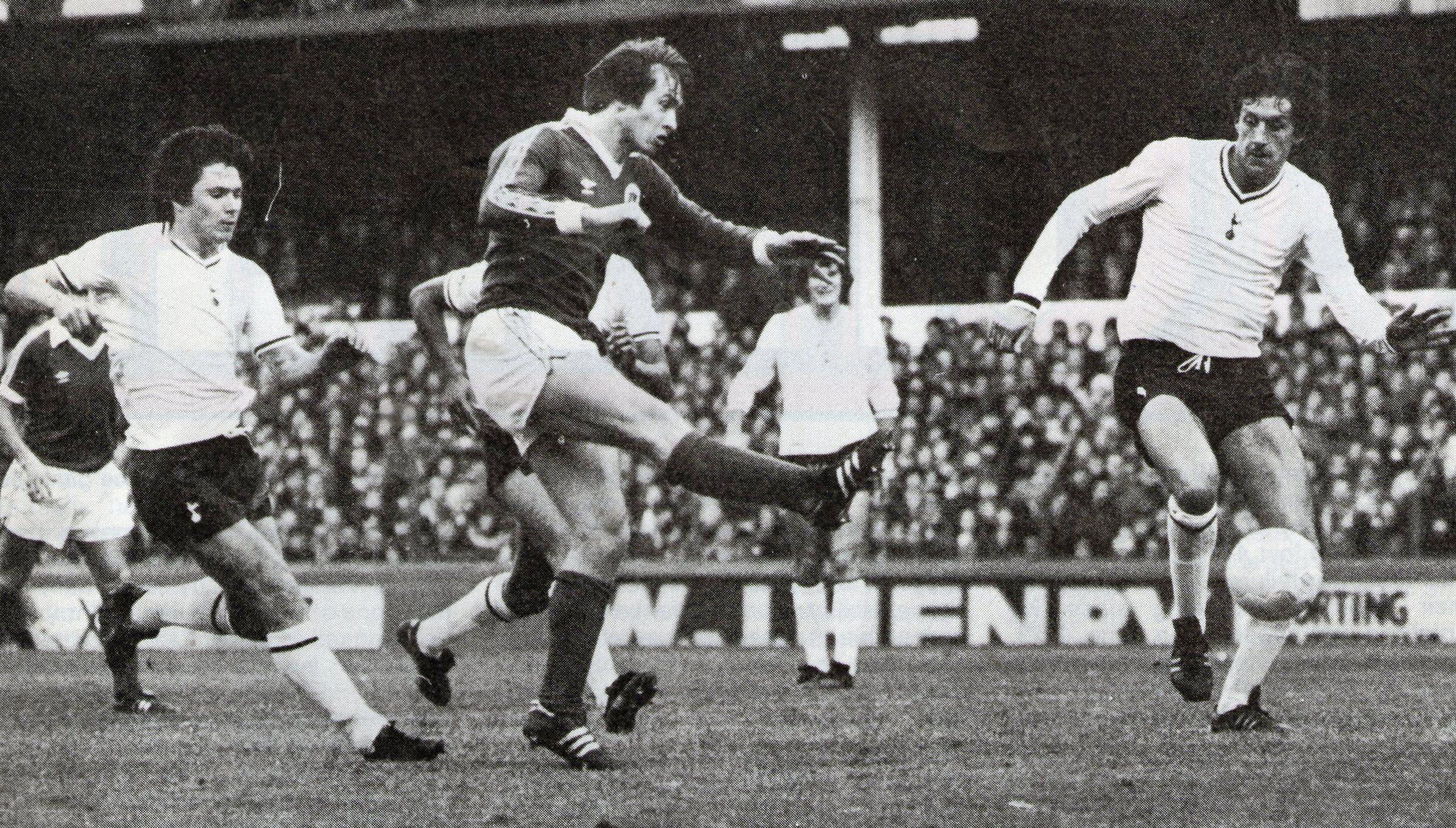 Peter Eastoe scoring against tottenham 1980-81