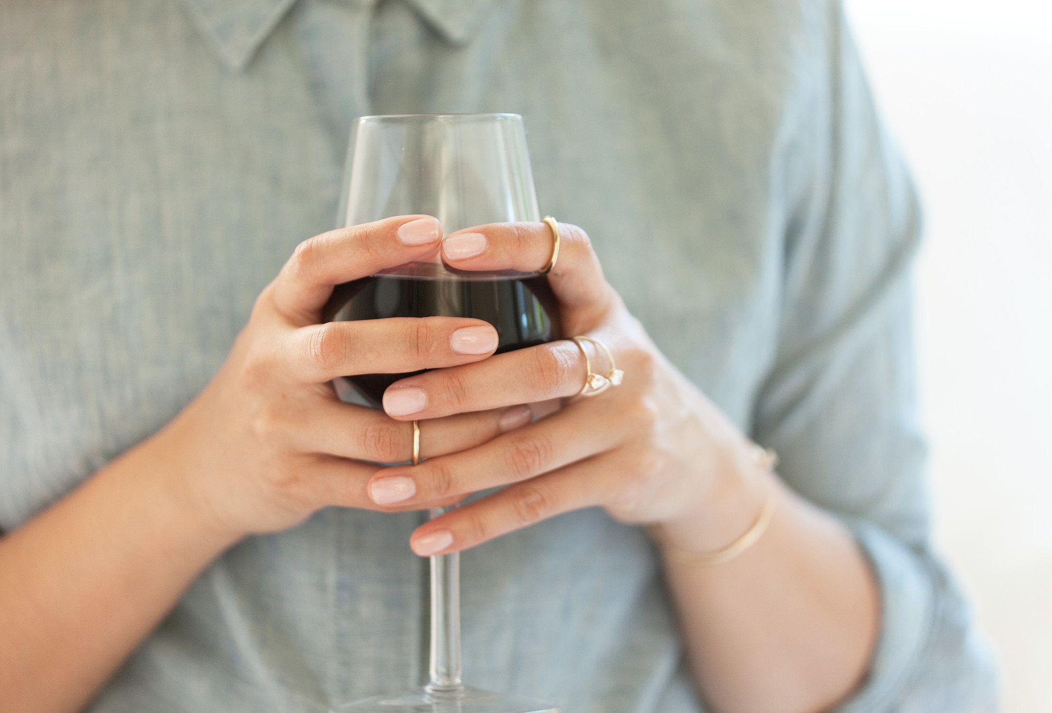 5 Healthy Reasons To Have A Glass Of Wine Tonight Estilo ~ Como Quitar Las Manchas De Vino Tinto