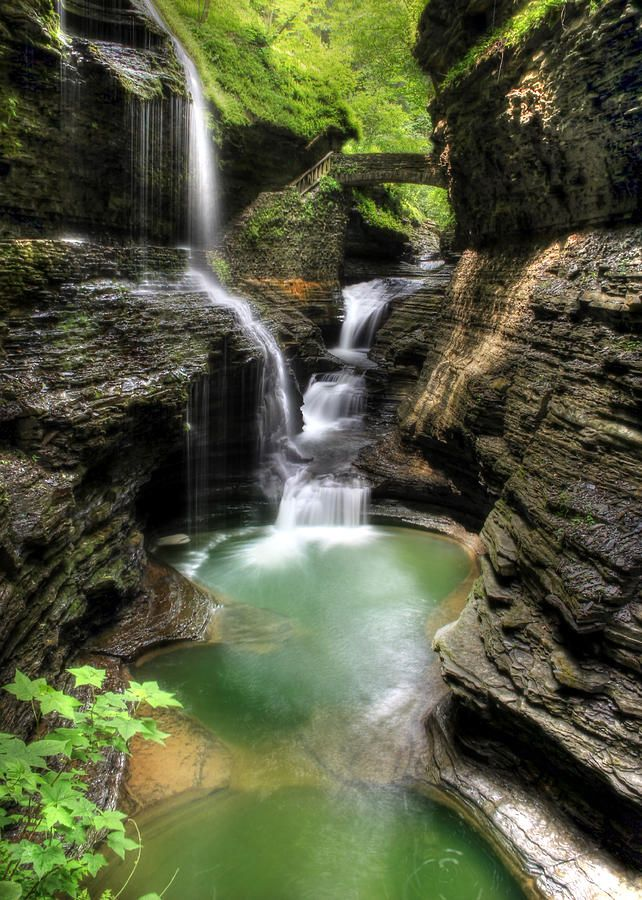 Rainbow Falls in 2020   Watkins glen state park, Rainbow ...