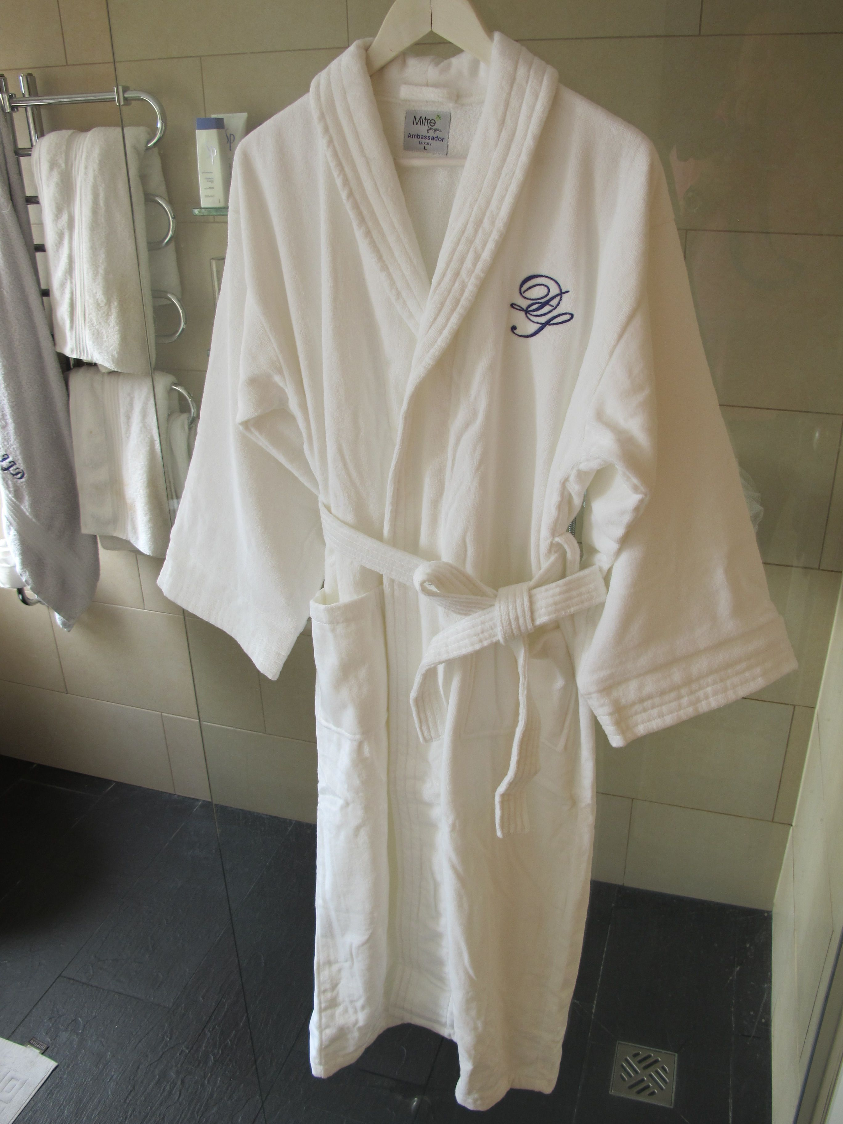 Snuggle up this Christmas in your very own personalised 100% Turkish cotton Velour Bathrobe