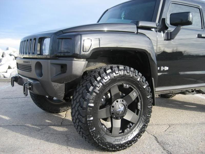 Go Big With This Hummer H3 On New Rockstar Wheels Hummer H3 Hummer Bug Out Vehicle